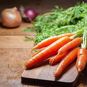 Entsafter-Rezept: Zwiebel-Karotten-Saft | EUJUICERS.DE